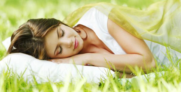 sleeping-woman-grass